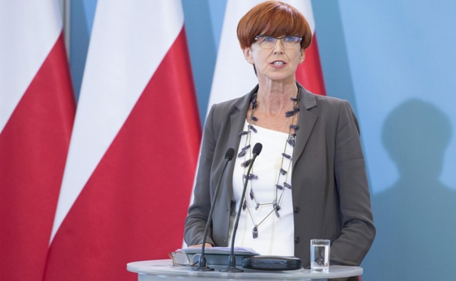 Minister Rafalska: Rząd jest elastyczny ws. handlu w niedziele